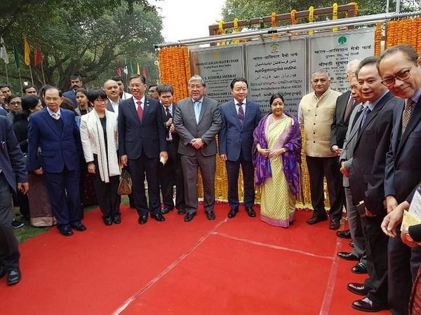 Inauguran en Nueva Delhi Parque de solidaridad India-ASEAN hinh anh 1