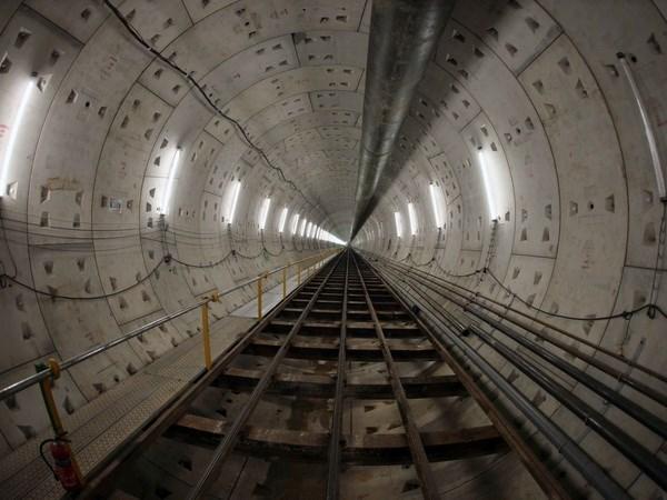 Espana presta atencion a invertir en sistema de metro urbano en Ciudad Ho Chi Minh hinh anh 1