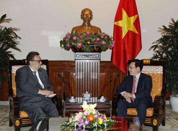 Vicepremier vietnamita recibe a nuevo embajador de Finlandia hinh anh 1