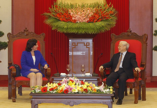 Dirigente partidista de Vietnam recibe a embajadora cubana hinh anh 1