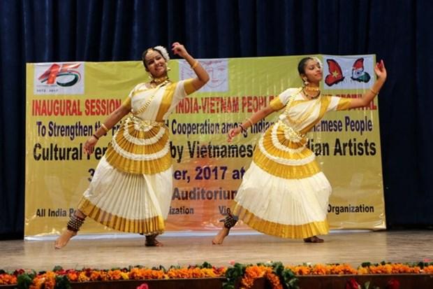 Vietnam e India impulsan relaciones e intercambio popular entre los dos pueblos hinh anh 1