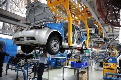 Malasia: Industria automotriz por reducir dependencia de fuerza laboral extranjera hinh anh 1