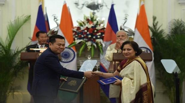 India y Camboya firman cuatro acuerdos de cooperacion hinh anh 1