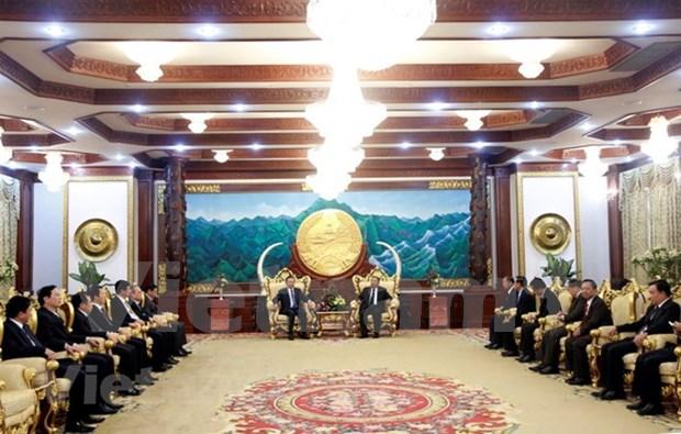 Maximo dirigente de Laos recibe al ministro vietnamita de Seguridad Publica hinh anh 1