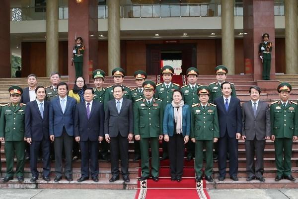 Presidenta parlamentaria vietnamita evalua contribuciones de Zona militar numero 2 hinh anh 1