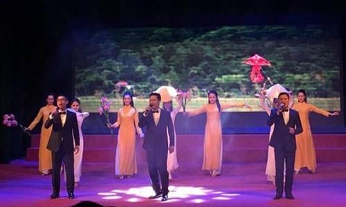 Diplomaticos en Hanoi se reunen por Ano Nuevo Lunar hinh anh 1