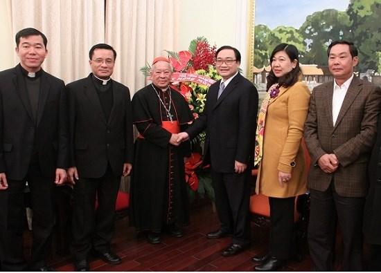 Arzobispo de la Archidiocesis de Hanoi felicita a autoridades de Hanoi por el Tet 2018 hinh anh 1