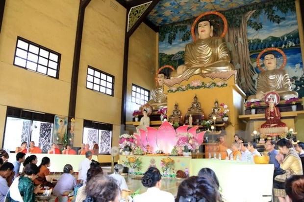 Vietnamitas en Laos se reunen en ocasion del Ano Nuevo Lunar hinh anh 1
