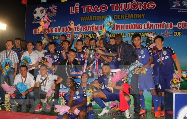 Club vietnamita gana copa internacional de futbol hinh anh 1