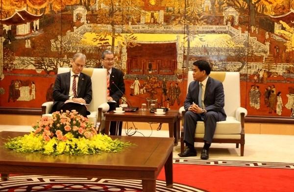 Paises Bajos ayudan a Hanoi en construccion de urbe inteligente hinh anh 1