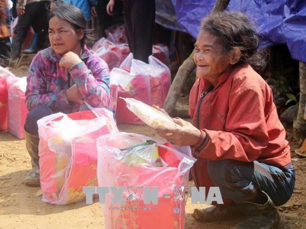 Vietnam distribuye arroz para apoyar a desfavorecidos en ocasion de Tet hinh anh 1