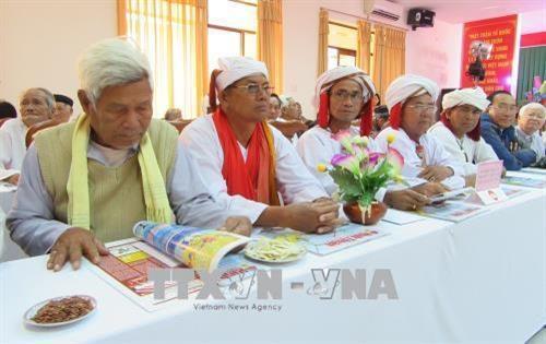 Destacan trabajo de intelectuales, personalidades y lideres religiosos de localidades vietnamitas hinh anh 1