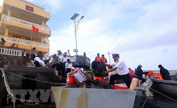 Soldados en archipielago de Truong Sa celebran Ano Nuevo Lunar hinh anh 1