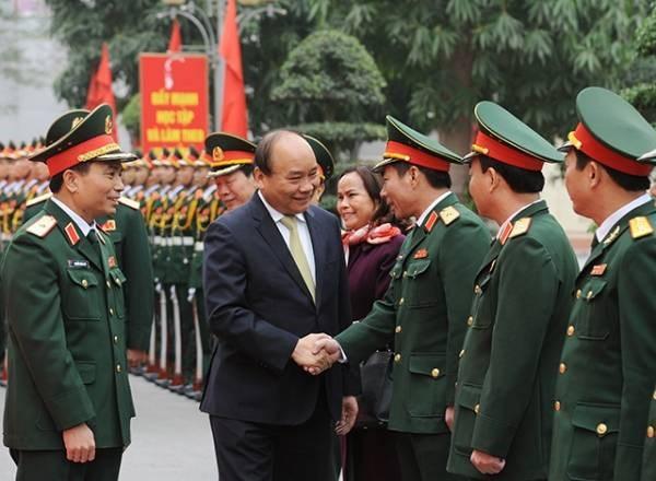 Premier vietnamita resalta trabajo de Comandancia de Hanoi hinh anh 1