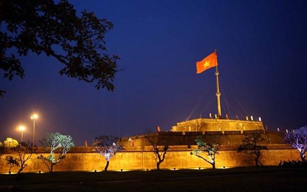 Iluminan Torre de Bandera en patrimonio cultural vietnamita hinh anh 1