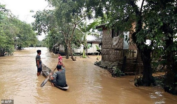 Filipinas: Tormenta Sanba mata a nueve personas hinh anh 1