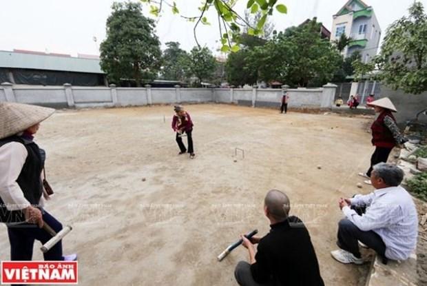 Deporte aristocratico frances en la aldea de Xuan Bach hinh anh 1