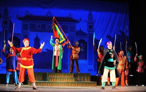 Jovenes traen teatro popular tradicional a la vida moderna hinh anh 1