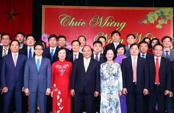 Premier vietnamita dialoga con organos partidistas hinh anh 1