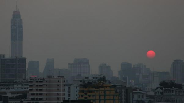 Tailandia podria cobrar impuestos por contaminacion causada por motocicletas hinh anh 1