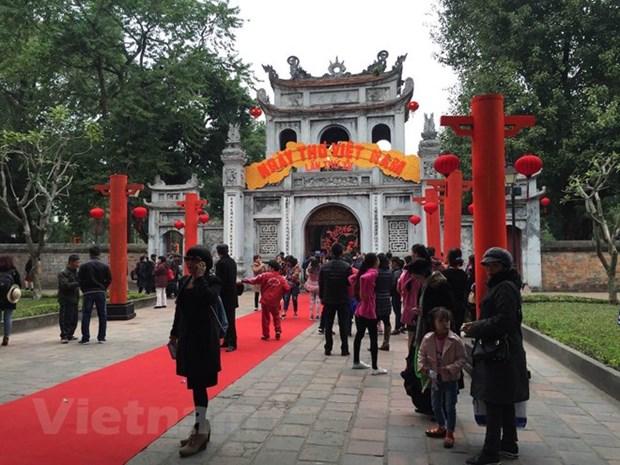 Multiples actividades durante el Dia de la Poesia de Vietnam hinh anh 1