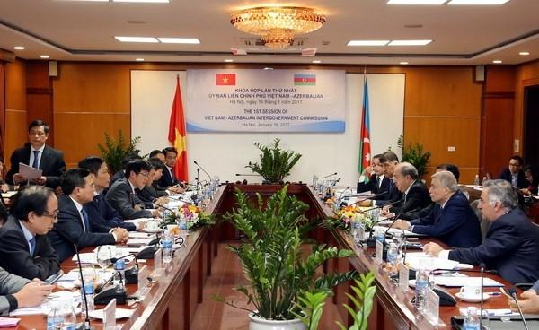 Vietnam fortalece nexos con Azerbaiyan hinh anh 1