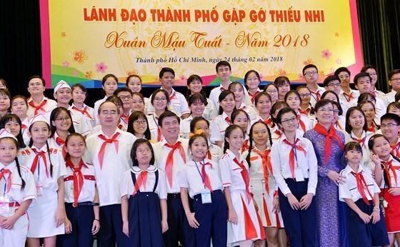 Autoridades de Ciudad Ho Chi Minh prestan atencion a pedidas de ninos hinh anh 1