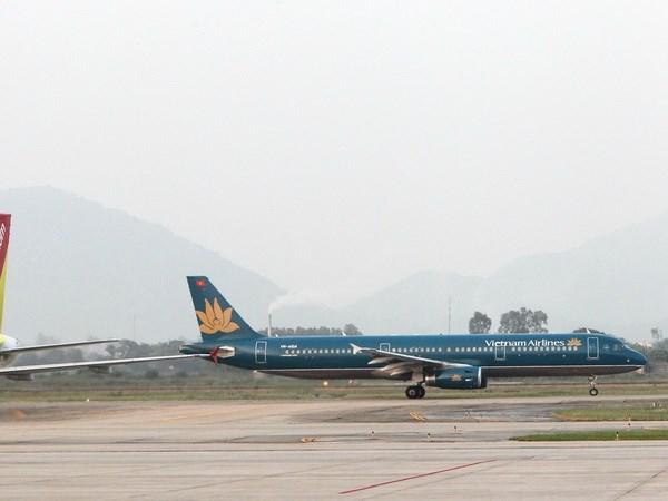 Vietnam busca situarse en el top de la ASEAN en servicios aereos hinh anh 1