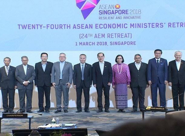 Ministros de Economia de ASEAN analizaron medidas para fomentar integracion regional hinh anh 1