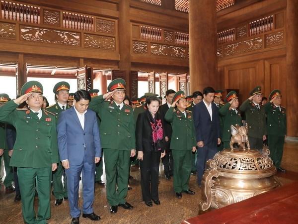 Presidenta del Parlamento rinde homenaje al Presidente Ho Chi Minh en zona K9 hinh anh 1