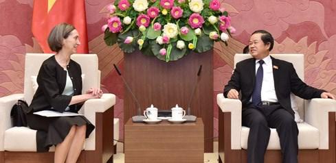 Vicepresidente del Parlamento vietnamita recibe a embajadora mexicana hinh anh 1