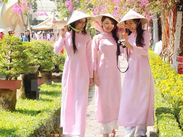 Celebran en Praga gala de poesia y musica en honor a mujeres vietnamitas hinh anh 1