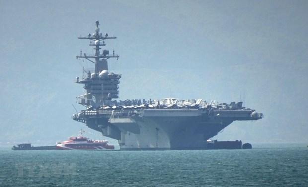 Llega a Vietnam portaaviones USS Carl Vinson hinh anh 1