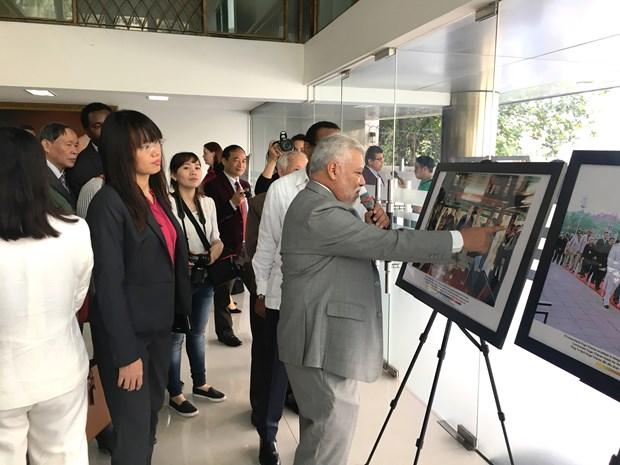Conmemoran en Hanoi aniversario de la partida fisica de Hugo Chavez hinh anh 1
