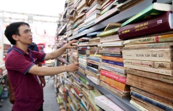Calle de Libros de Hanoi ingresa mas de 177 mil dolares en fiesta del Tet hinh anh 1