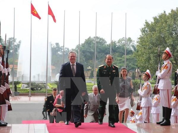 Vietnam y Rusia acuerdan fortalecer aun mas la cooperacion tecnica militar hinh anh 1