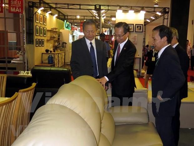 Inauguran en Ciudad Ho Chi Minh novena feria internacional de productos madereros hinh anh 1