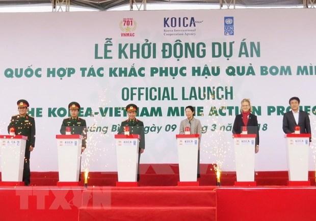 Vietnam y Sudcorea cooperan en remocion de bombas remanentes de guerra hinh anh 1