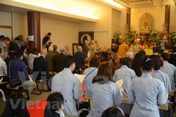 Fieles budistas vietnamitas celebran en Seul gran misa por la paz nacional hinh anh 1