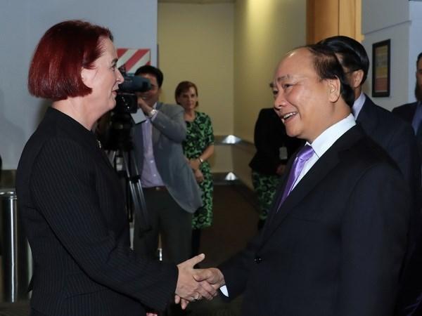 Premier de Vietnam llega a Auckland para iniciar visita oficial a Nueva Zelanda hinh anh 1