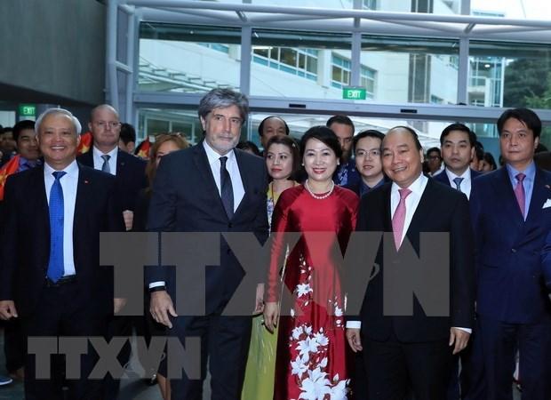 Premier de Vietnam visita Universidad de Tecnologia de Auckland hinh anh 1