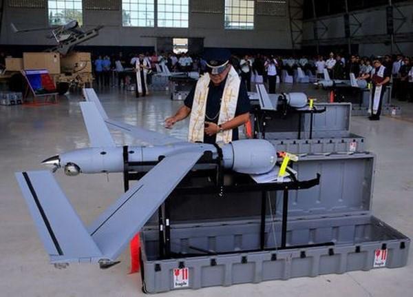 Filipinas recibe drones de Estados Unidos para combatir a yihadistas hinh anh 1
