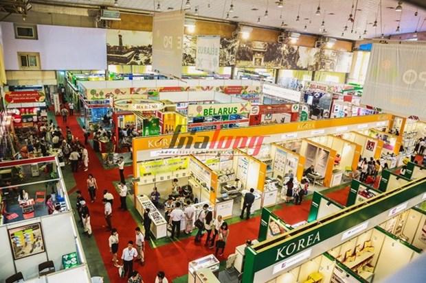 Nutrida participacion internacional en feria comercial de Vietnam hinh anh 1