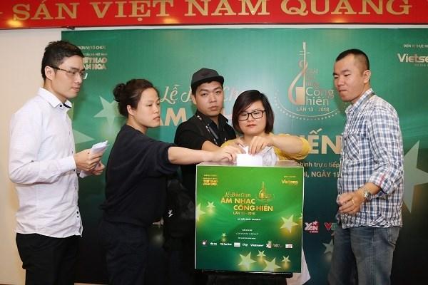 Periodistas eligen premios musicales Cong Hien de Agencia Vietnamita de Noticias hinh anh 1