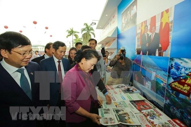Presidenta del Parlamento visita Festival Nacional de la Prensa hinh anh 1