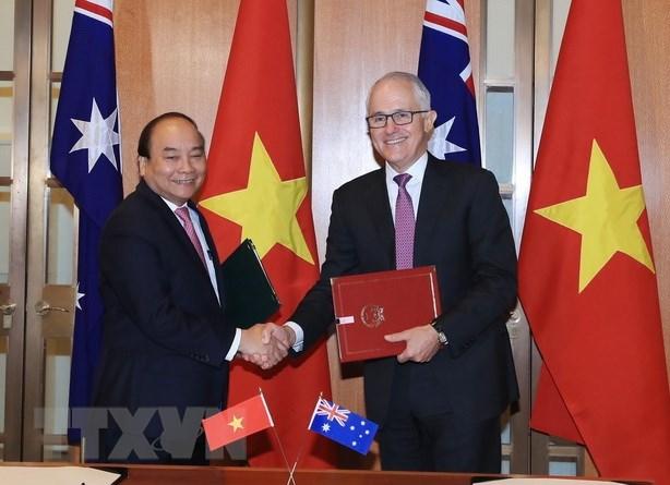 Premier de Vietnam concluye gira por Oceania hinh anh 1