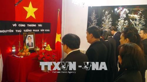 Primer ministro argelio rinde tributo al expremier Phan Van Khai hinh anh 1