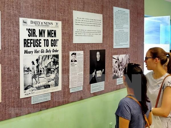 Presentan exposicion sobre movimientos contra la guerra de Estados Unidos en Vietnam hinh anh 1