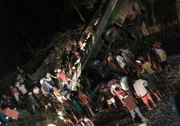 Al menos 19 muertos en accidente de autobus en Filipinas hinh anh 1