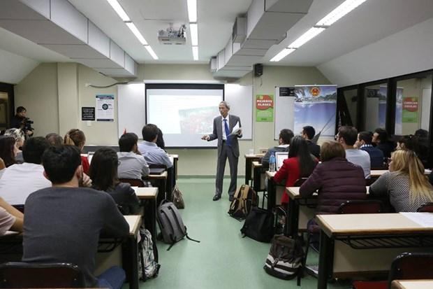 Efectuan charla sobre Vietnam en Universidad Argentina de la Empresa hinh anh 2